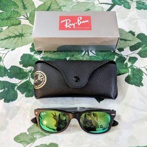 NWOT Ray-Ban New Wayfarer Flash Sunglasses